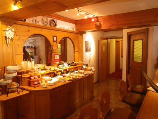 Fruhstucksbuffet Picture Of Hotel Alpensonne Riezlern