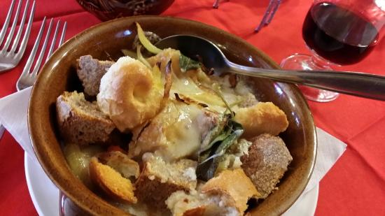 Pasta con formaggio blue dAosta  Foto di Chez Pierina