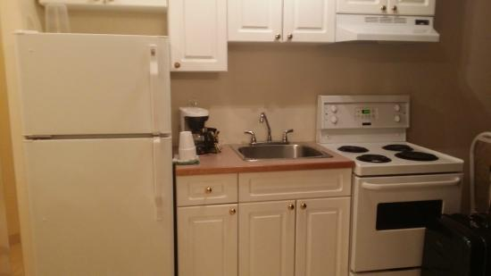 Kitchenette  Picture of Western Budget Motel Leduc 1