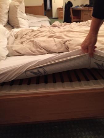 Zillertalerhof Poor Bed Very Thin Mattress Uncomfortable