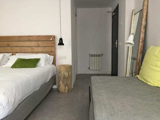 Triple Room Picture Of Hostal Grau Barcelona Tripadvisor
