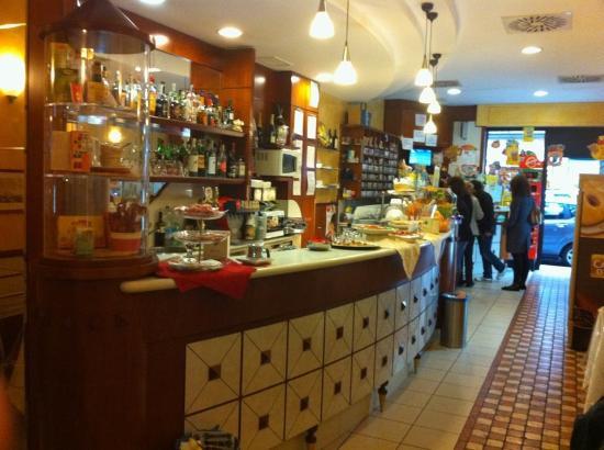 Bar Tabacchi Belfiore Gold  Milano  Recensioni su Bar