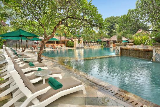 Q Hotel Bali Review
