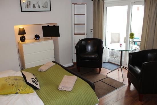 Ei8ht Brighton Apartments Garden Studio Apartment