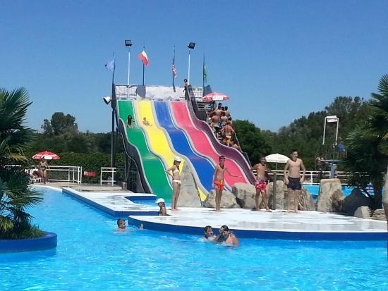 piscina con le onde  Foto di Cupole Lido Cavallermaggiore  TripAdvisor
