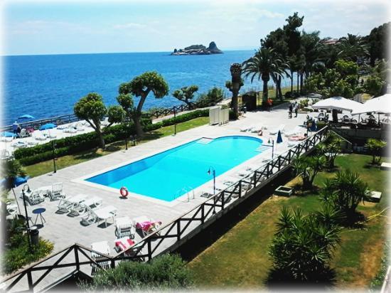 Galatea Sea Palace piscina vista dalla terrazza del