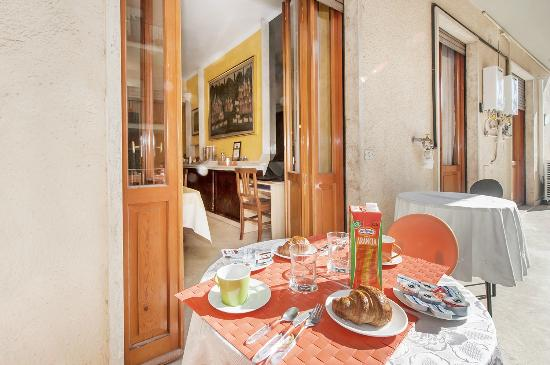 THE HOME IN ROME KOSHER BED AND BREAKFAST 64 84