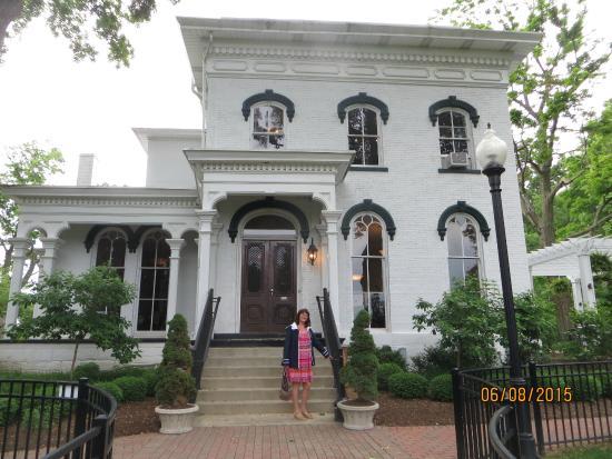 Hart Mansion Restaurant