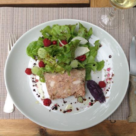 poularde salade verte aux fruits rouge