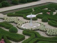 Water fountain in garden - Picture of Nemours Mansion ...
