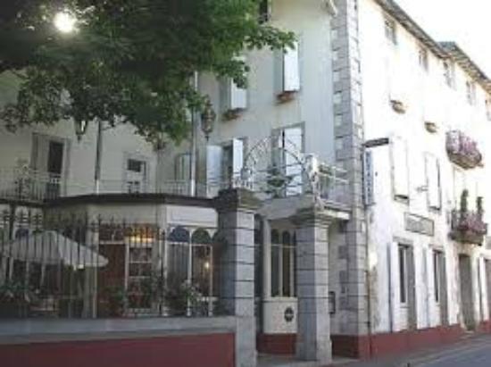 L Entree De L Hotel Picture Of Logis Le Relais De Fusies