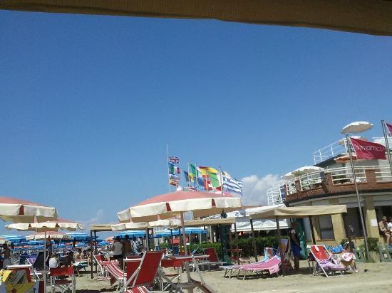 Photo0jpg  Picture Of Bagno Venezia, Lido Di Camaiore