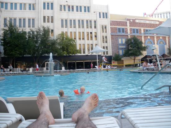piscine  Photo de New York  New York Hotel and Casino