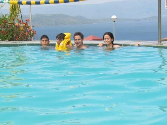 Resort Mataas Virginia Na Batangas Kahoy La