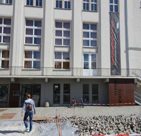 Front of the Stasi Museum  Bild von Gedenksttte Bautzner