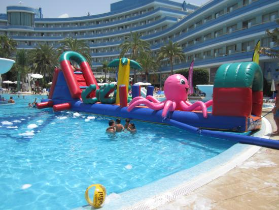 piscinas de 5 estrellas - Picture of Mediterranean Palace ...