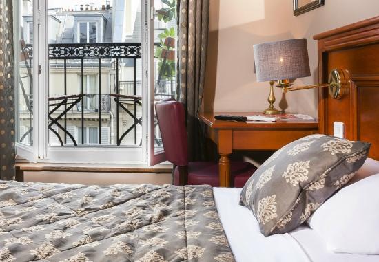 Balcony Room Picture Of Hotel Paris Rivoli Tripadvisor