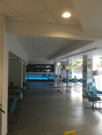 cheapest sofa deals uk cotton cover india lobby - picture of novotel leeds centre, tripadvisor