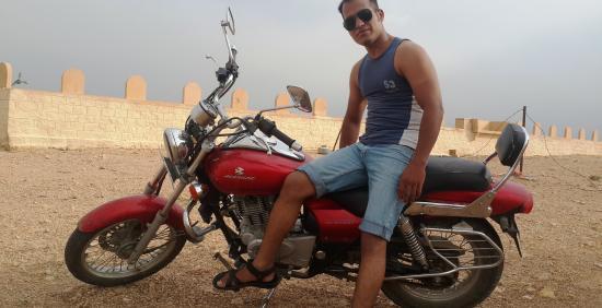 bike riders jaisalmer picture