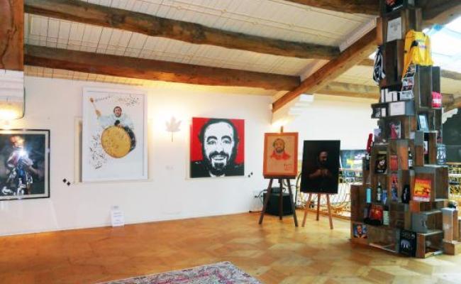 Interno Casa Pavarotti Foto De Casa Museo Luciano