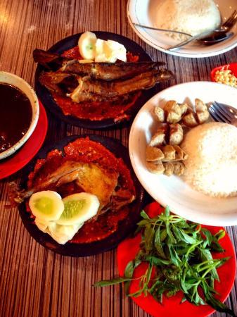 Bu Kris Fatmawati : fatmawati, WARUNG, KRIS,, Jakarta, Fatmawati, Cilandak, Restaurant, Reviews, Phone, Number, Tripadvisor