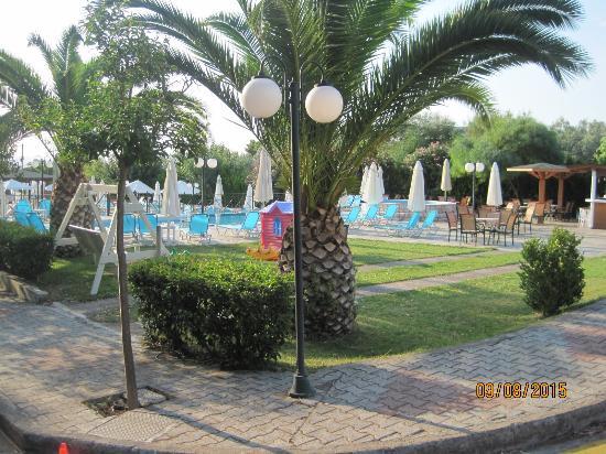 Garten Und Pool Picture Of Almira Mare Hotel Khalkis TripAdvisor