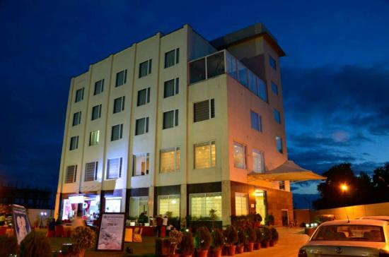 Hotel The Royal Bharti Vrindavan India Ulasan