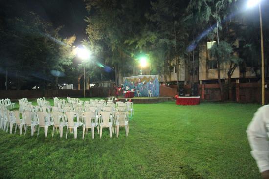 folding chair in rajkot graco tablefit high cover huge lawns picture of neel da dhaba tripadvisor