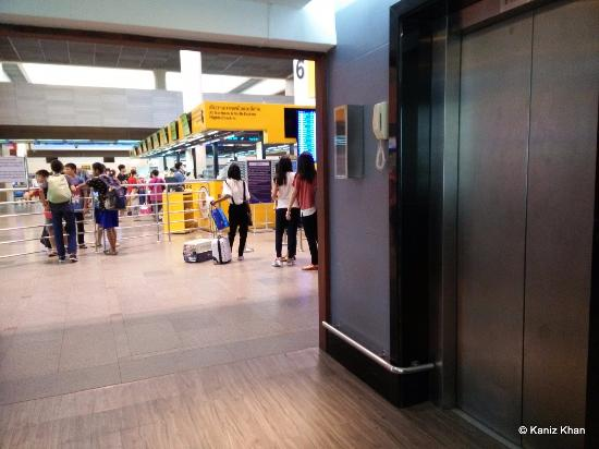 The Lift Brings You To Airport Picture Of Amari Don Muang
