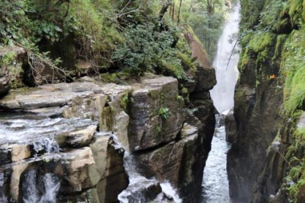 Cachoeira Raizama – Foto de Raizama Waterfall, Alto Paraíso de Goiás -  Tripadvisor