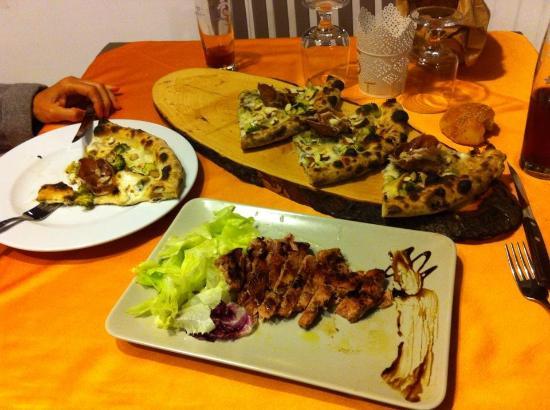 Pizza Sapori di Puglia e Tonno alla griglia  Picture of