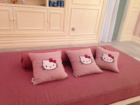 hello kitty couch and