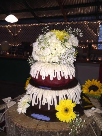 What An Amazing Wedding Cake Picture Of Nothing Bundt Cakes