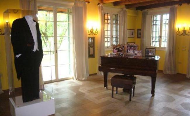 Interno Casa Pavarotti Picture Of Casa Museo Luciano