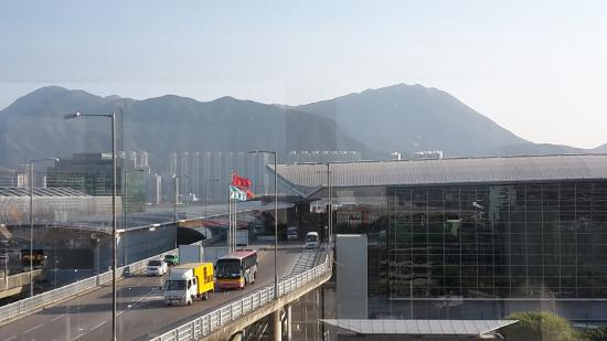 Blick Auf Die Hong Kong Mountains Picture Of Regal Airport