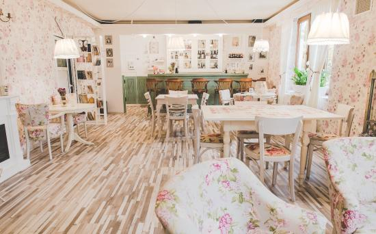 Bliss Cafe Shabby Chic, Alba Iulia  Restaurant Reviews