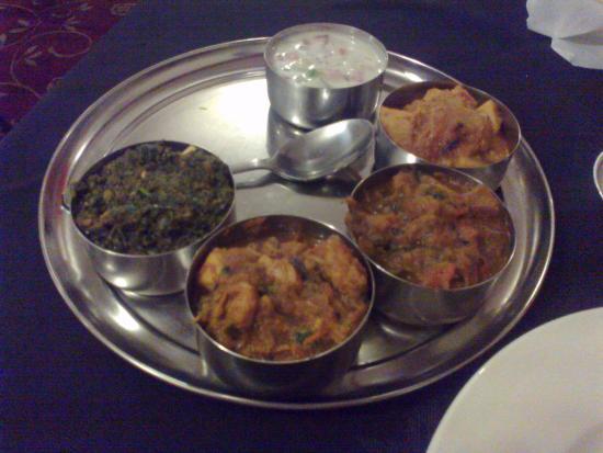 meat thali nice chicken