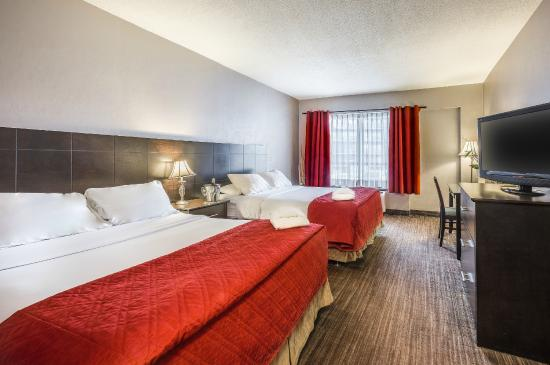 Chambre Deluxe 2 lits queen  Picture of Hotel Universel Quebec Quebec City  TripAdvisor