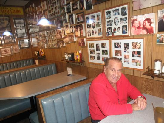 UNCLE Harrys Deli Restaurant Saint Clair Shores
