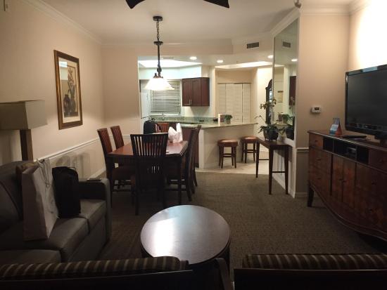 Quarto amplo muito confortvel sensao de apartamento Limpo  impecvel  Servios perfeito  Foto de Sheraton Vistana Resort Villas