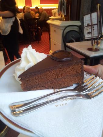 Cafe Sacher Wien Sachertorte