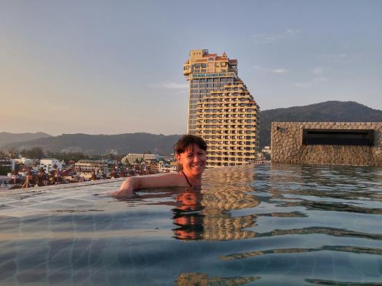 Krysha S Bassejnom Picture Of The Gig Hotel Patong