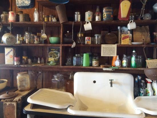 kitchen goods store small pictures picture of smallwood chokoloskee tripadvisor
