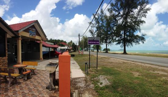 Anggun Beach Guest House Prices Reviews Dungun