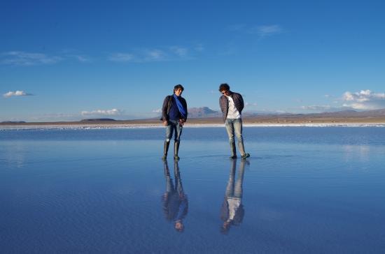 Espejo de agua en el Salar de Uyuni  Picture of Hotel de