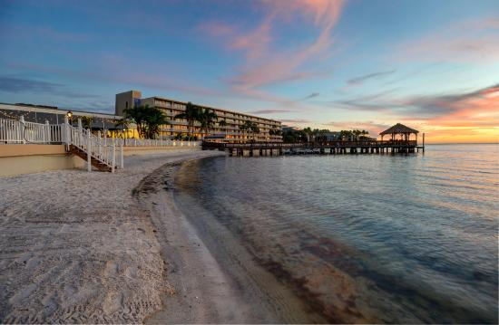 The 10 Best Restaurants Near Sailport Waterfront Suites