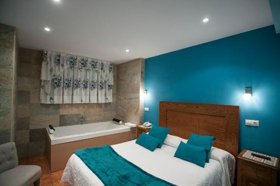 habitacion con jacuzzi fotografa de Hotel Spa Verdemar