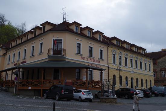 L Hotel Et Son Parking Picture Of Hotel Podhrad Hluboka