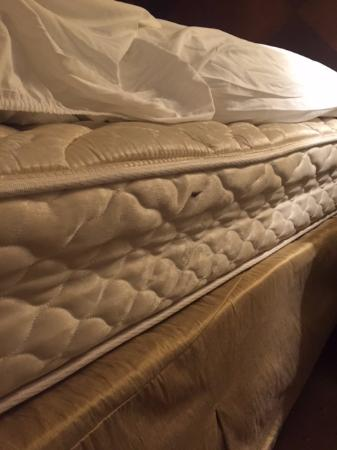 Jw Marriott Miami Photo Of Mattress With No Weight On It Note How