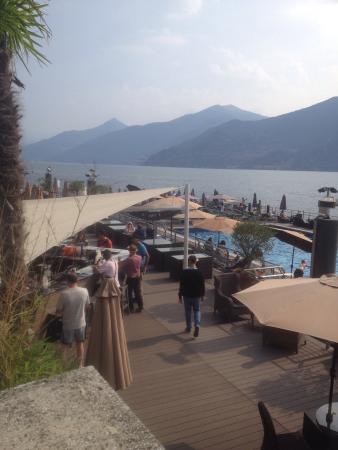 Piscina galleggiante sul lago  Foto di Grand Hotel Britannia Excelsior Cadenabbia di Griante